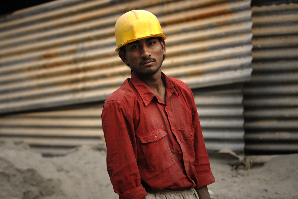 Photo of a construction worker in Delhi, India.