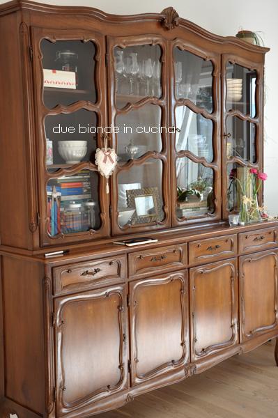 Dipingere Mobili Cucina Vecchia. Free Mobile Dipinto A Mano Con ...