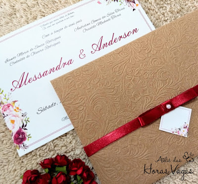 convite de casamento artesanal personalizado floral aquarelado rústico delicado vermelho marsala envelope papel kraft texturizado laço chanel cetim mini wedding aniversário 15 anos
