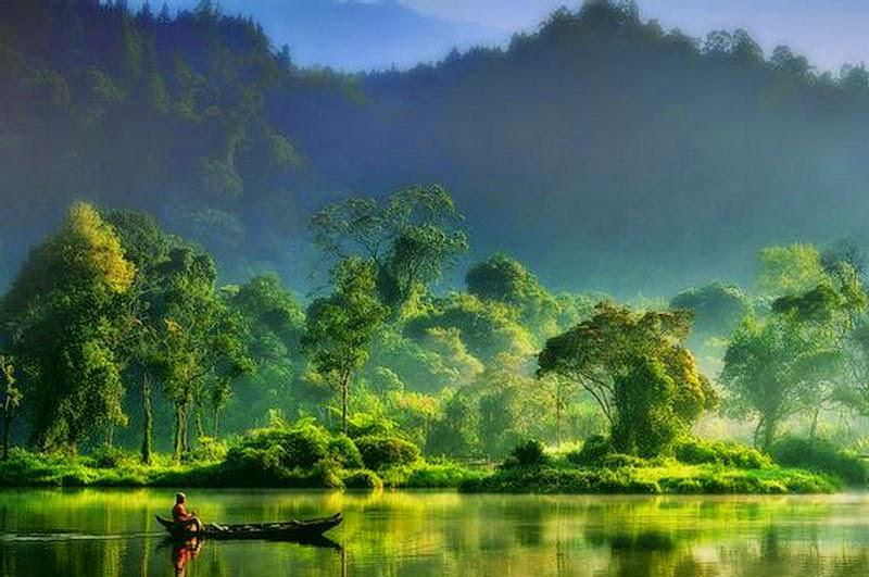 Lago e pescador