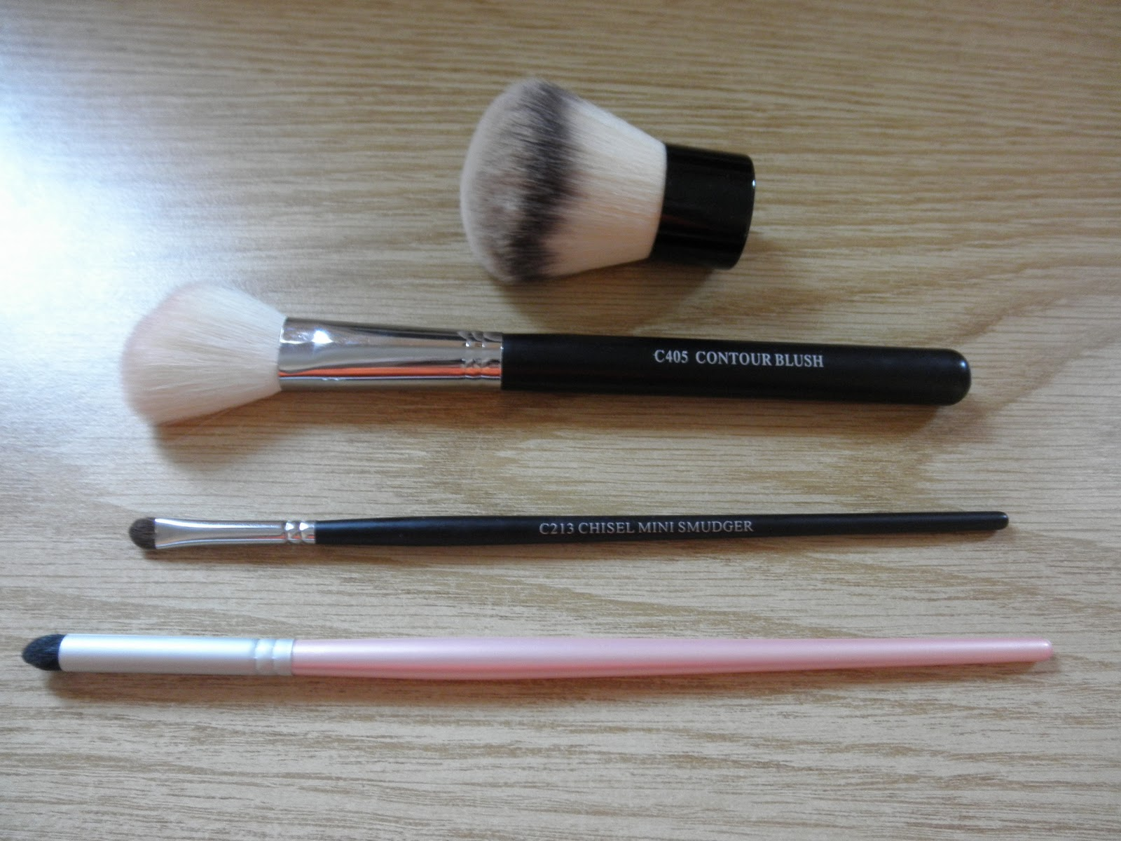 Make Me Pretty 101: Review: Crown Brushes