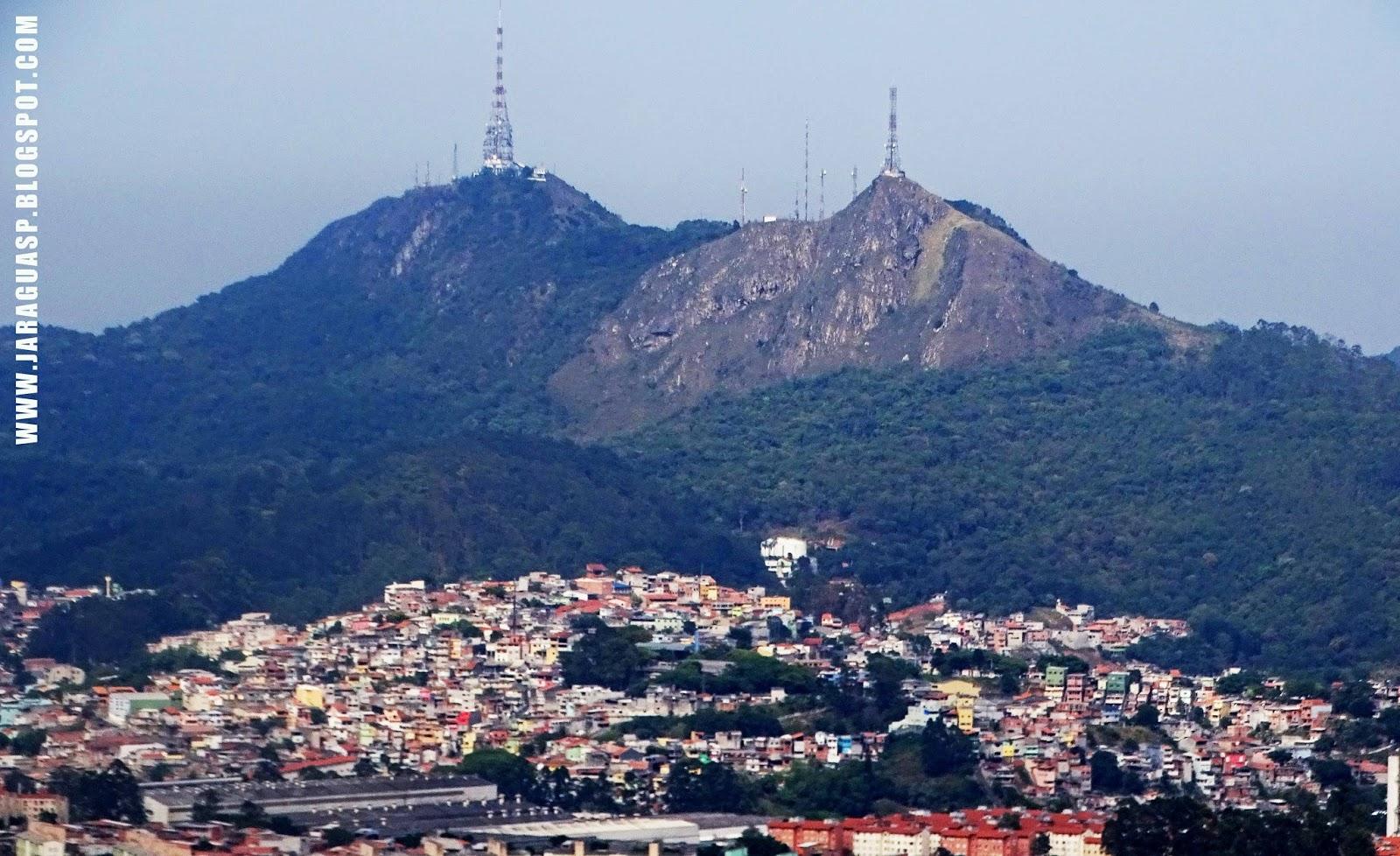 Picos do Jaraguá e do Papagaio com suas antenas em imagem de 2017. Foto: Marinaldo Pedrosa