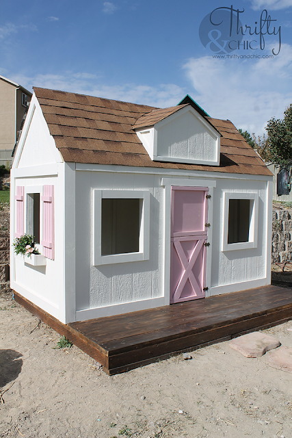 DIY playhouse tutorial. DIY outdoor playhouse. How to build an outdoor playhouse. Learn how to build a farmhouse style playhouse for your kids!