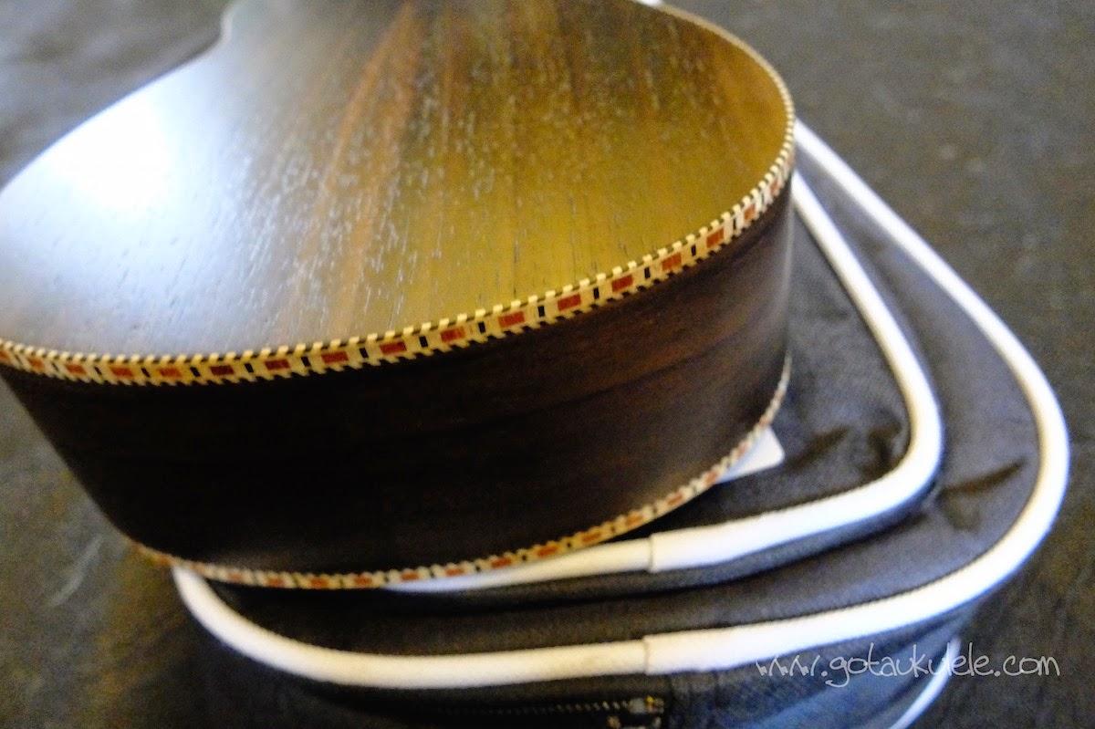Snail UKS-220 Rosewood Soprano ukulele binding