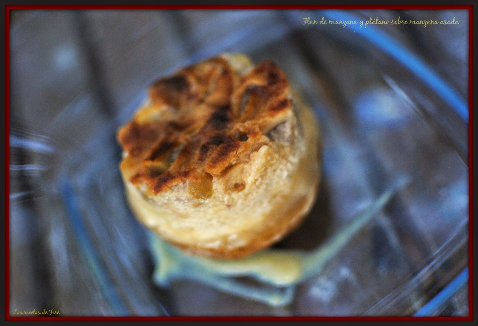 Flan de manzana y plátano sobre manzana asada 06