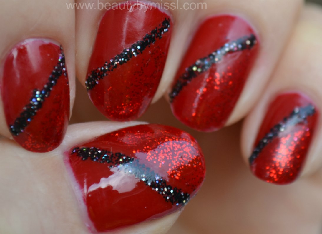 Christmas manicure, diagonal french, sparkling nails, notd, nails of the day, red nails