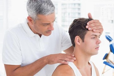 Benarkah Asam Urat Dapat Menyerang Leher dan Kepala?