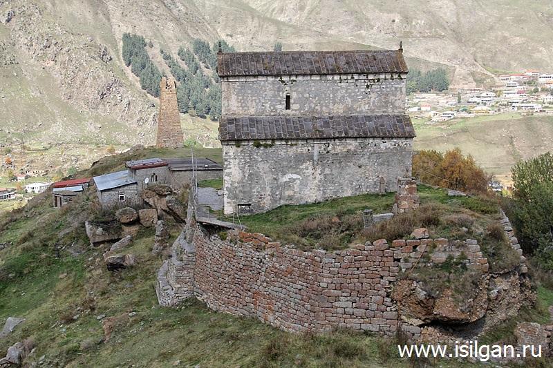 Сионский храм и сторожевая башня. Село Сиони. Грузия