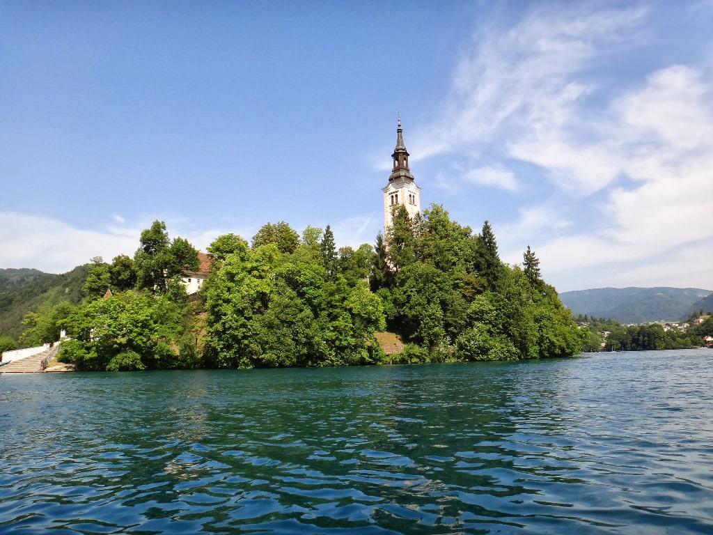 Igreja no meio do Lago Bled