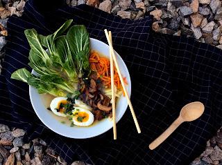 Asijská polévková miska