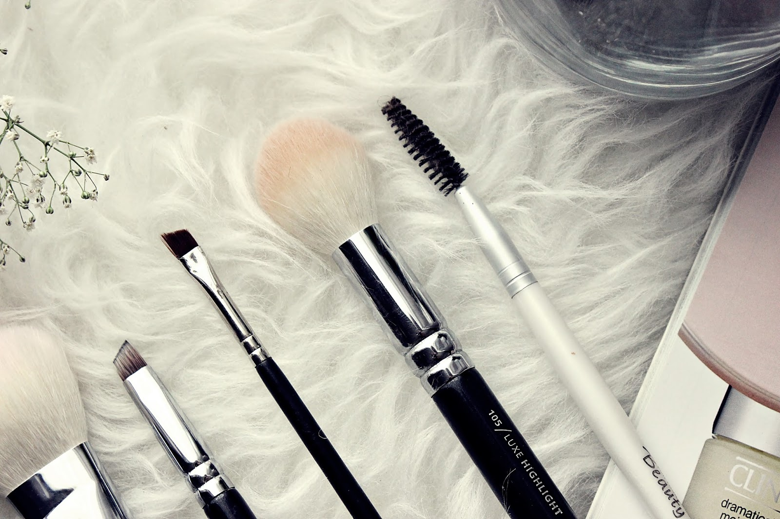 Akcesoria do makijażu, po które sięgam codziennie