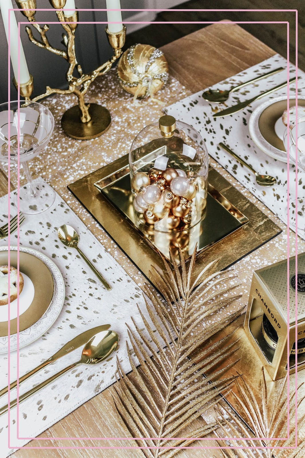 Luxury Gold Christmas Table Setting Lifestyle Blogger
