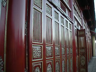 Hung Mieu porta do templo. Hue Citadel