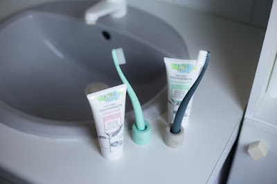 http://ecoterre.be/fr/soins-dentaires/20298-dentifrice-naturel-sensitive-jack-n-jill.html