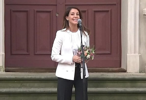 Princess Marie wore a tricotine jacket by Emporio Armani, and a new silk blouse by Hugo Boss