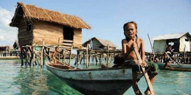 Suku Bajo Pulau Labengki Sulawesi