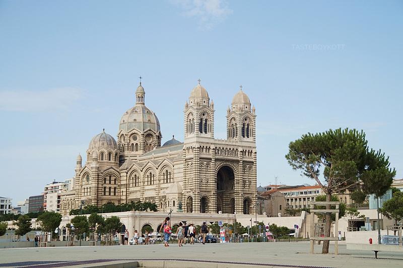 Marseille Kathedrale Sehenswürdigkeiten Reisen Südfrankreich im Sommer. Tasteboykott Blog.