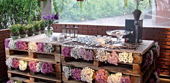 Palets y Flores. Una Decoración Preciosa.