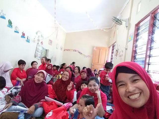 Bunda Berbagi MOMBASSADOR SGMBunda Berbagi MOMBASSADOR SGM EKSPLOR Di PAUD KENANGA  Semarang EKSPLOR Semarang...   Bagiamana Ya Keseruannya??