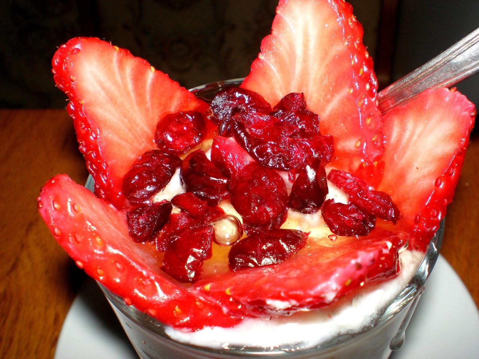 Iaurt cu căpșune
