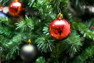 Un sapin de Noël décoré