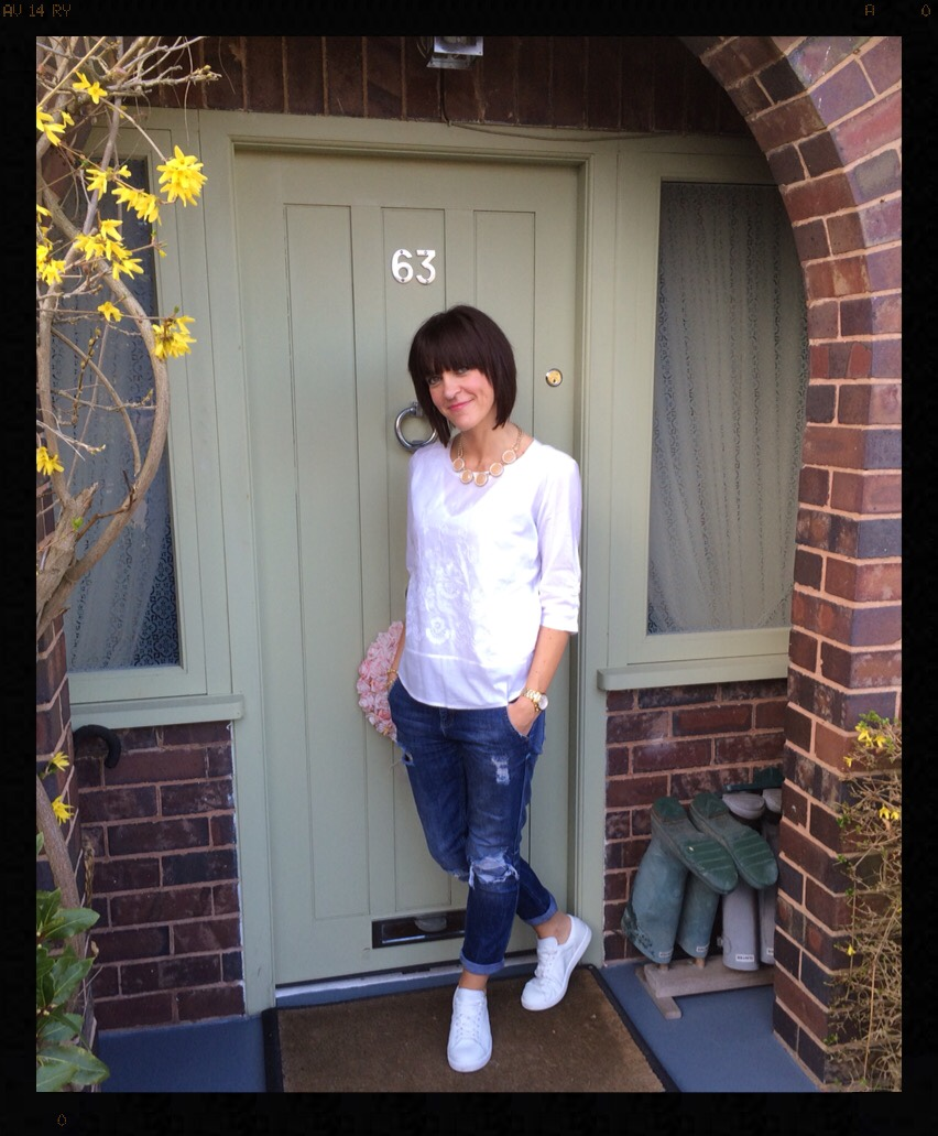 My Midlife Fashion, white trainers, boyfriend jeans, distressed denim, Boden, Abigail Top, Zara, Mango, Banana Republic