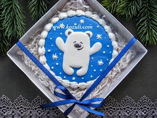 Имбирное печенье новогоднее Медвежонок, упаковка белый бумажный наполнитель