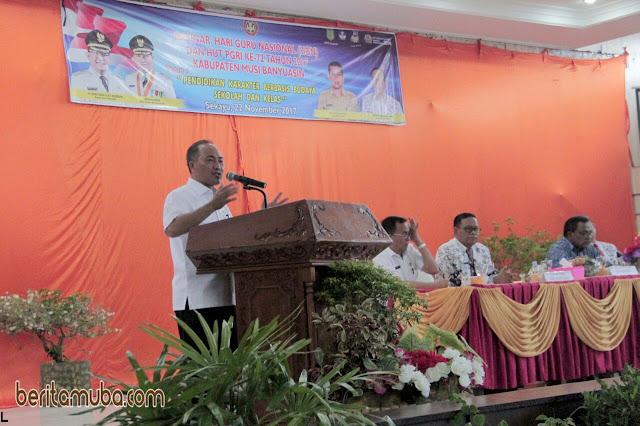 Plt Sekda Muba Buka Seminar Hari Guru Nasional
