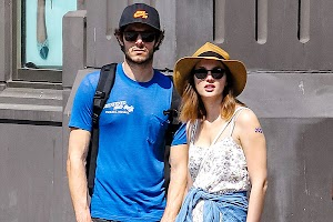 Leighton Meester and Adam Brody for a walk in New York City