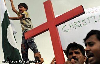 Policía tortura a joven cristiano en Pakistán
