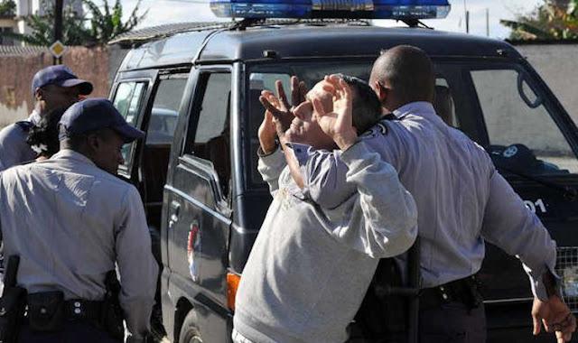Vídeo: policiais cubanos prendem cineasta brasileiro que tentava expor miséria na ilha