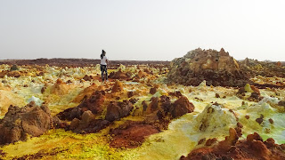 The Danakil Depression Guide shows us the way back to the jeep
