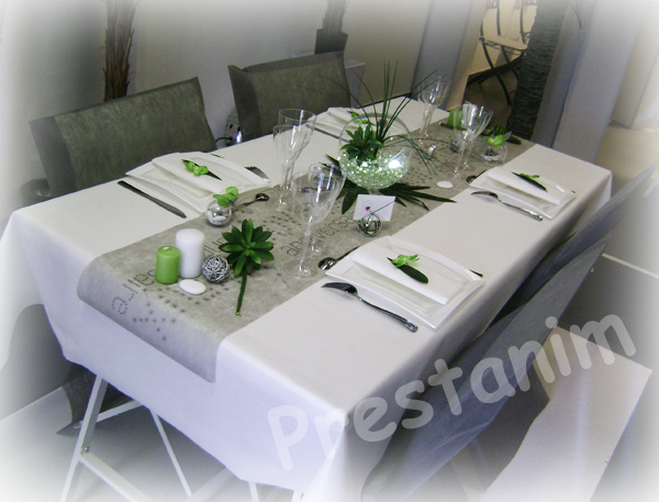 ma d coration de mariage d corations table anniversaire nature en gris blanc. Black Bedroom Furniture Sets. Home Design Ideas
