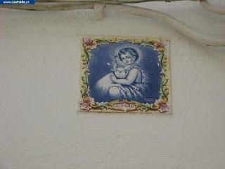 Azulejos e Placas de Pedra de Castelo de Vide, Portugal (Tiles)