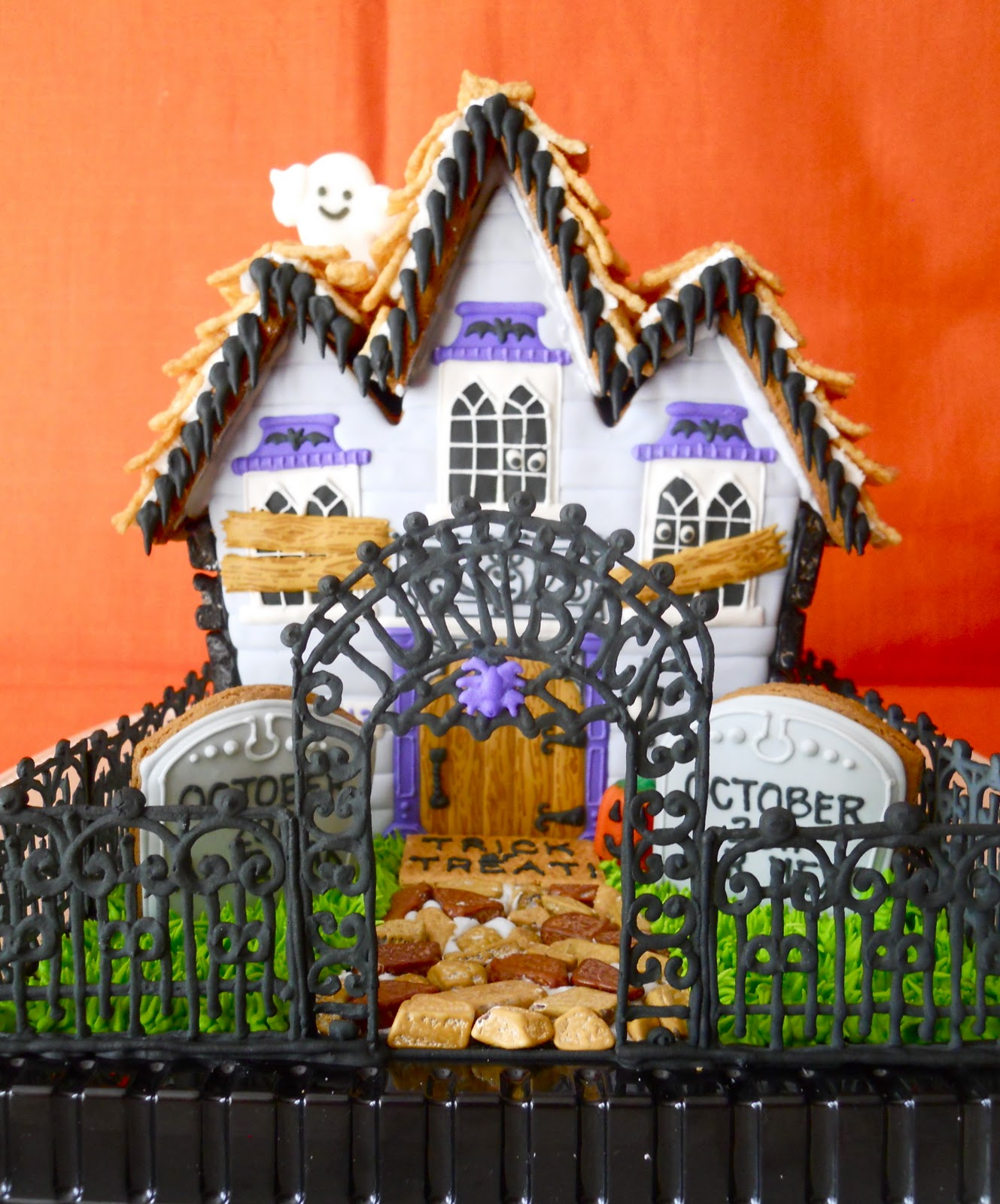 .Oh Sugar Events: Haunted Gingerbread House 2011