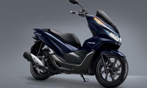 ELEGAN : All New Honda PCX Hybrid tampil elegan dengan warna Hybrid Blue dan tambahan logo hybrid di sisi bodi.   Foto Astra Motor Pontianak