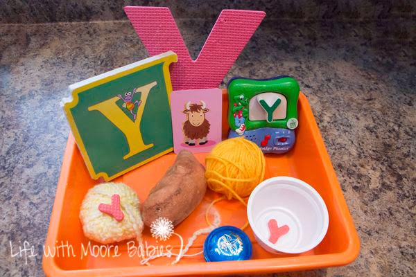 How to Make a Letter Y Sensory Bin
