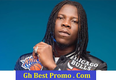 Stonebwoy ft. I-Octane – Feeling Lonely (Official Music Video)