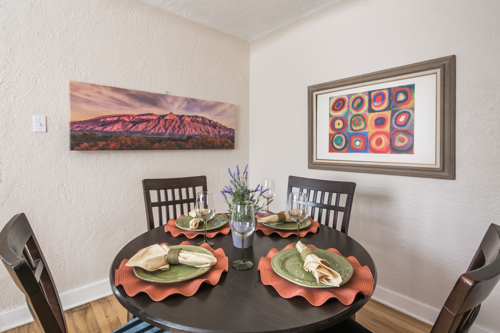 Home Staging In Albuquerque: Home Staging Photos of UNM Dollhouse 615 Ridgecrest Drive SE