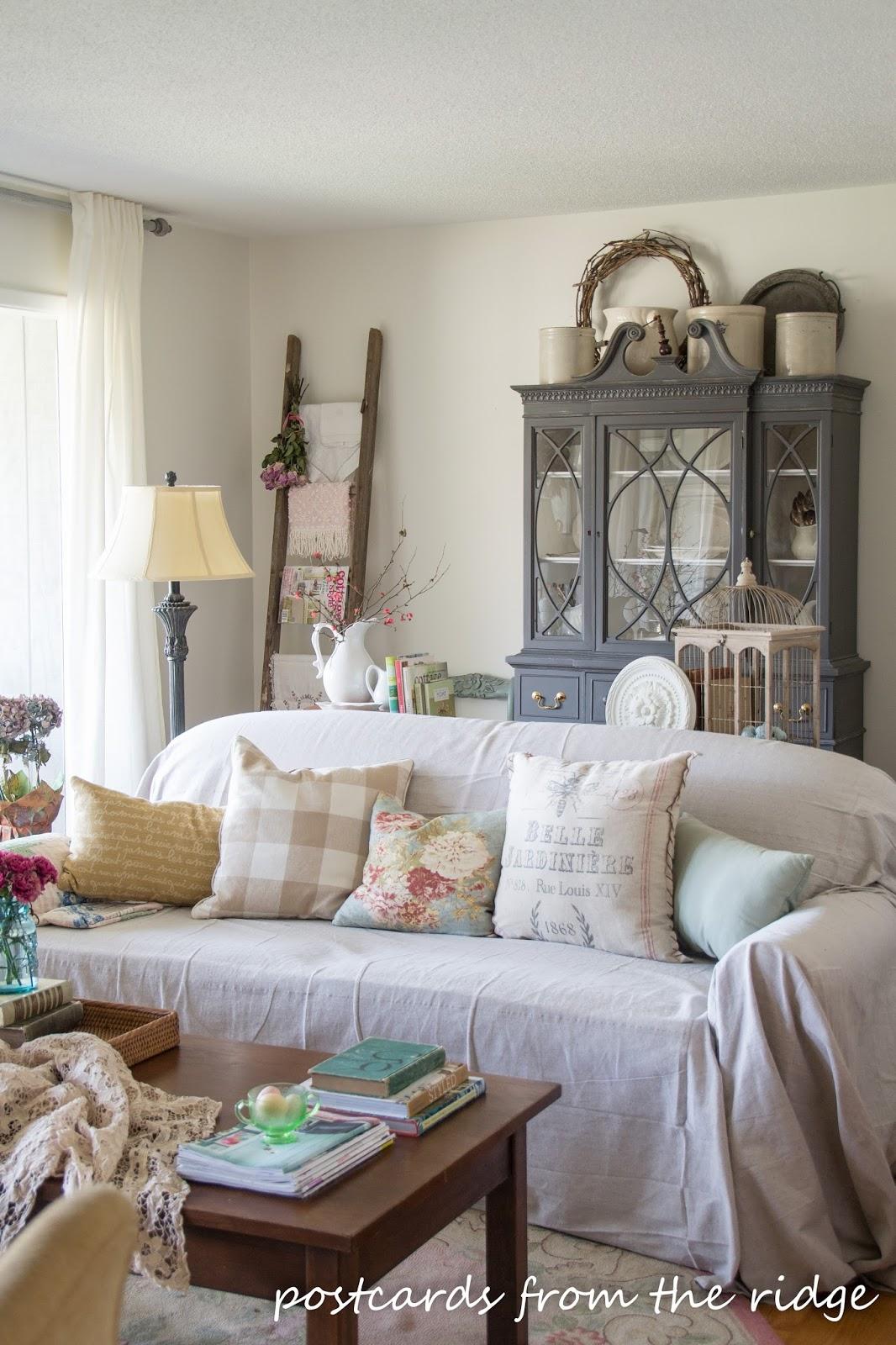 spring throw pillows and home decor