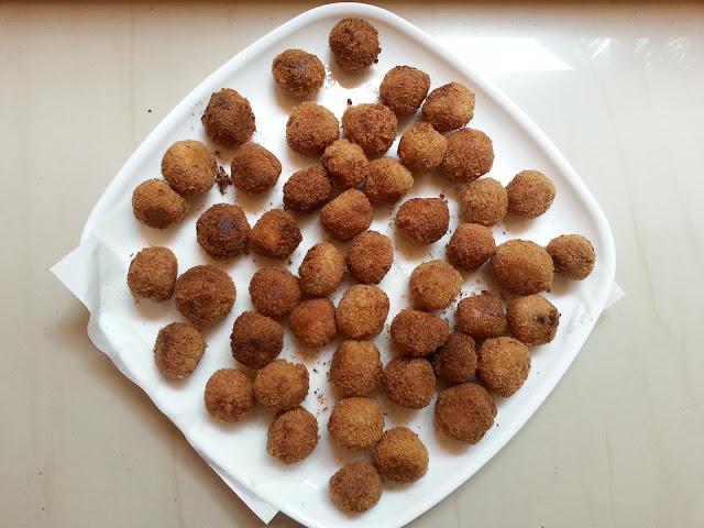 Easy , bread banana, balls , Bread ,unniyappam, recipe,snacks