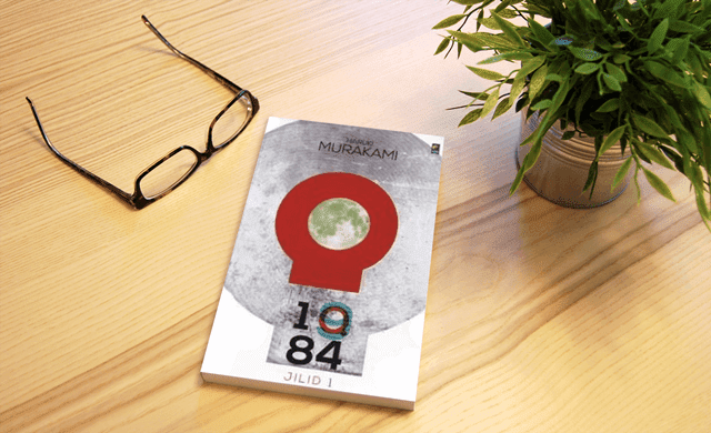 Review Novel 1Q84