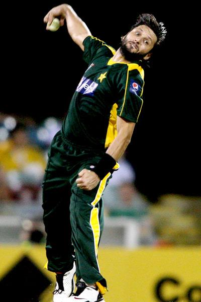 Shahid Name Wallpaper Hd Sports Highlights Shahid Afridi Bowling Action Photo