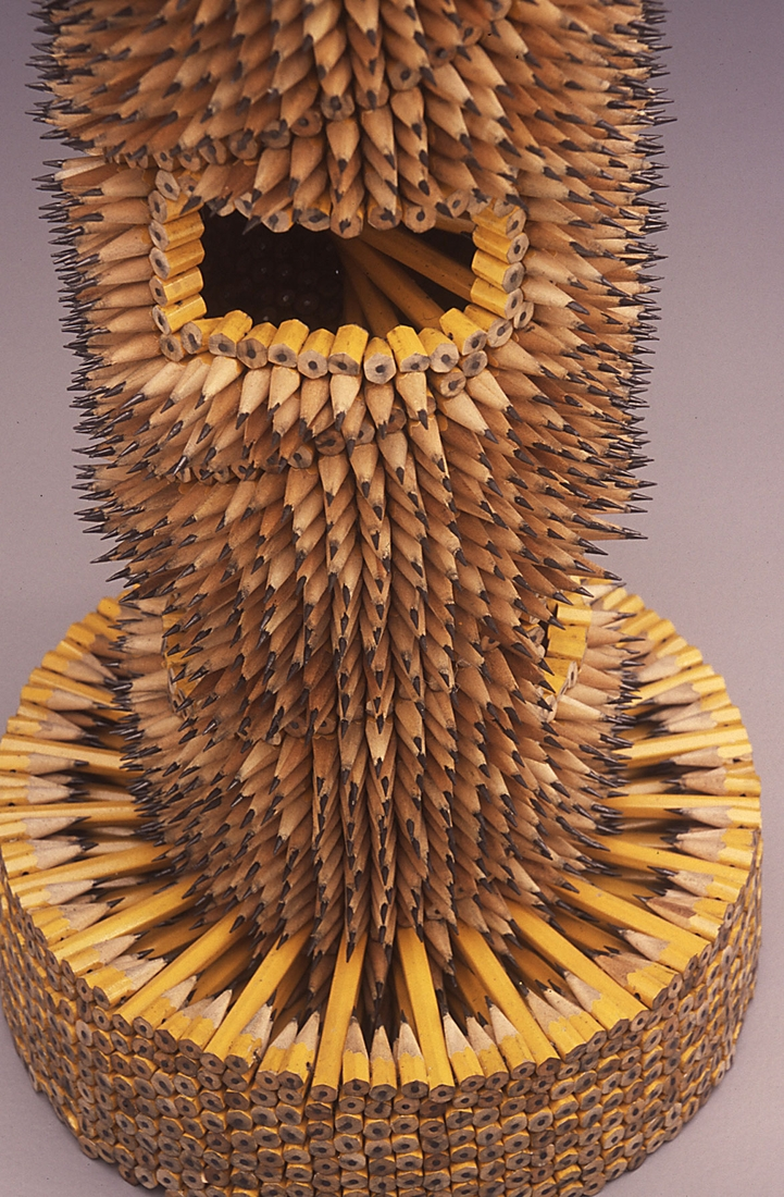 18-Watchtower-Base-Jennifer-Maestre-Creature-Pencil-Sculptures-with-a-Peyote-Stitch-www-designstack-co