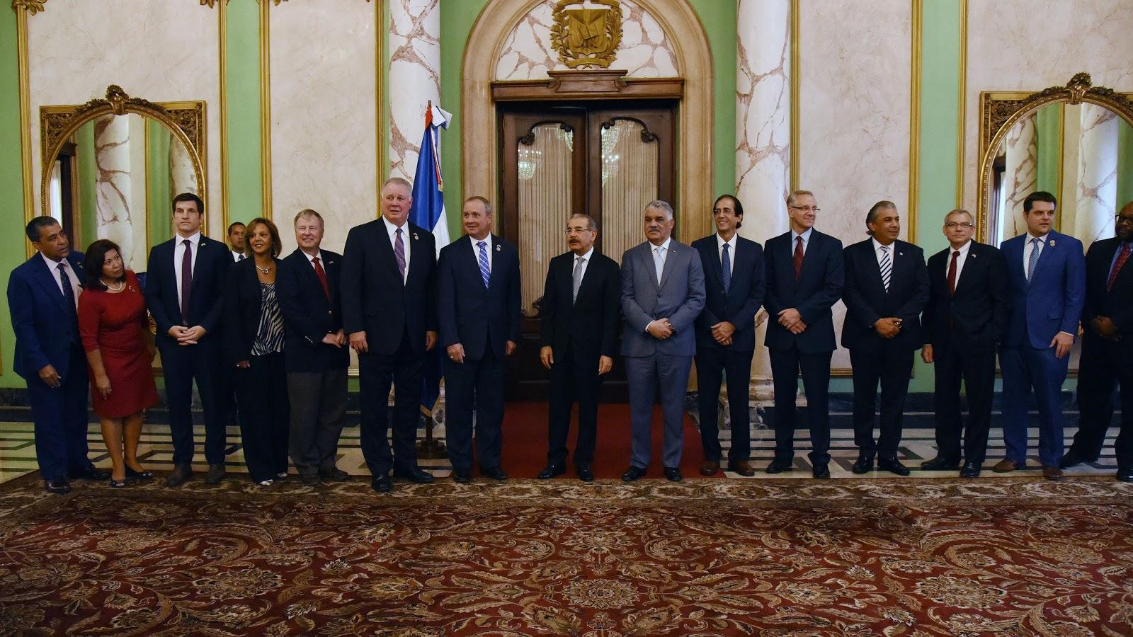 Congresistas de Estados Unidos visitan al presidente Danilo Medina