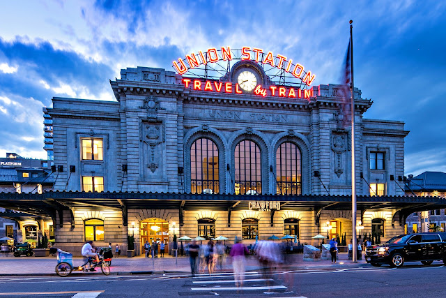Welcome to The Crawford Hotel, Denver's independent luxury hotel located in Denver Union Station. Effortlessly combining elements of its past with comfortable, modern luxury, this Denver Union Station hotel provides guests unparalleled service and premier accommodations.