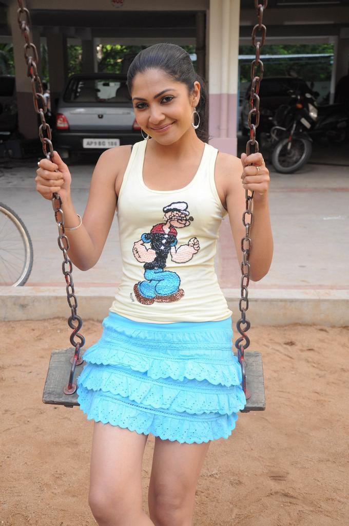 Kamalini mukherjee ramachari movie heroine latest stills
