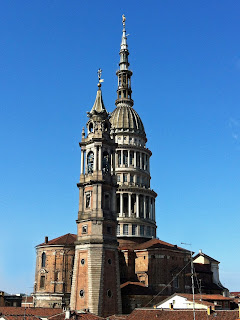 The 121m cupola of the Basilica of San Gaudenzio dominates the Novara skyline