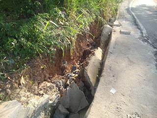 Drainase Jalan Arimbi Roboh Diduga Kurang Adukan Semen