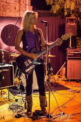 Morgana Blues, Guitar and Harmonica